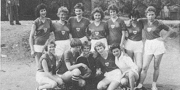 Damenmannschaft im Jahr 1958